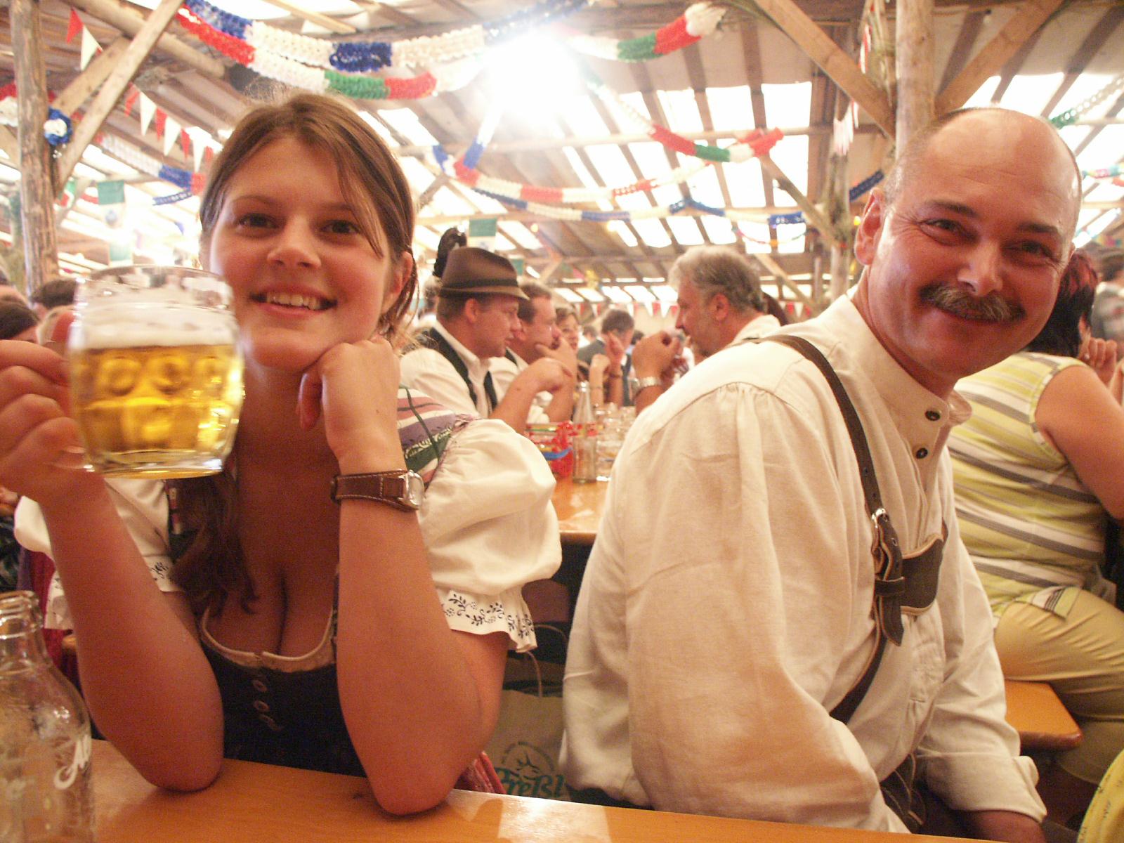 Bierzeltgaudi - Bierzelt-Gaudi_© TVB Ausseerland - Salzkammergut-Griese- Zeltfest - Feuerwehrfest - Feierlaune - Stimmung