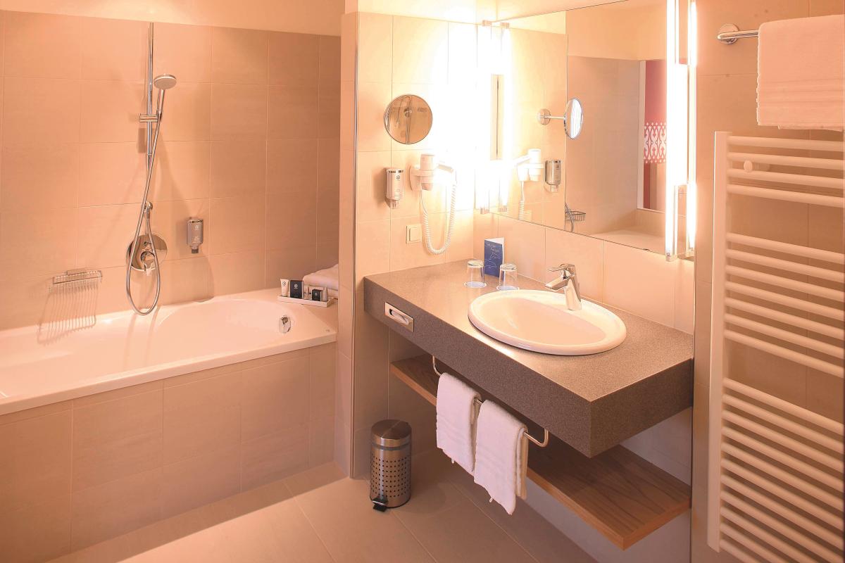 Badzimmer in der Suite Bad und Dusche